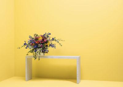 CAPAROL ICONS - NO 97 - FLOWER POWER - Harmonisches Sonnenblumengelb. Inspiriert von den symbolischen Sonnenblumen der Blumenkinder.